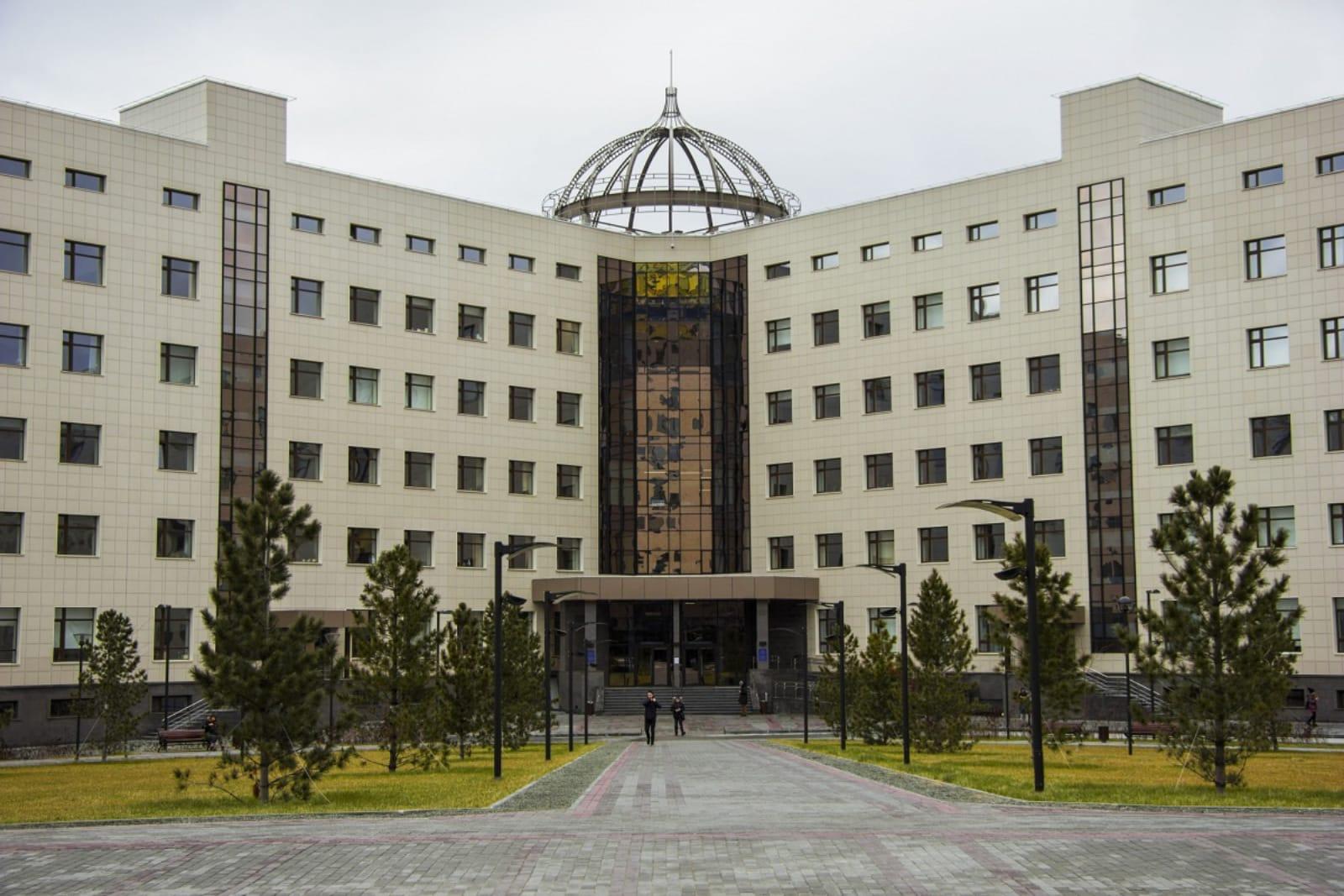 新西伯利亚国立大学新建的主教学楼