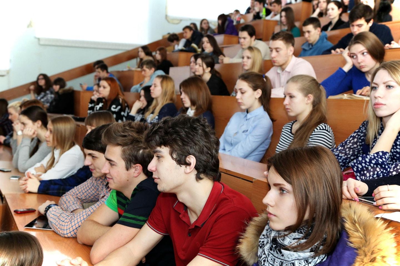 俄罗斯大学的学生在上课
